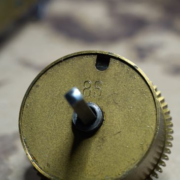 Mainspring barrel