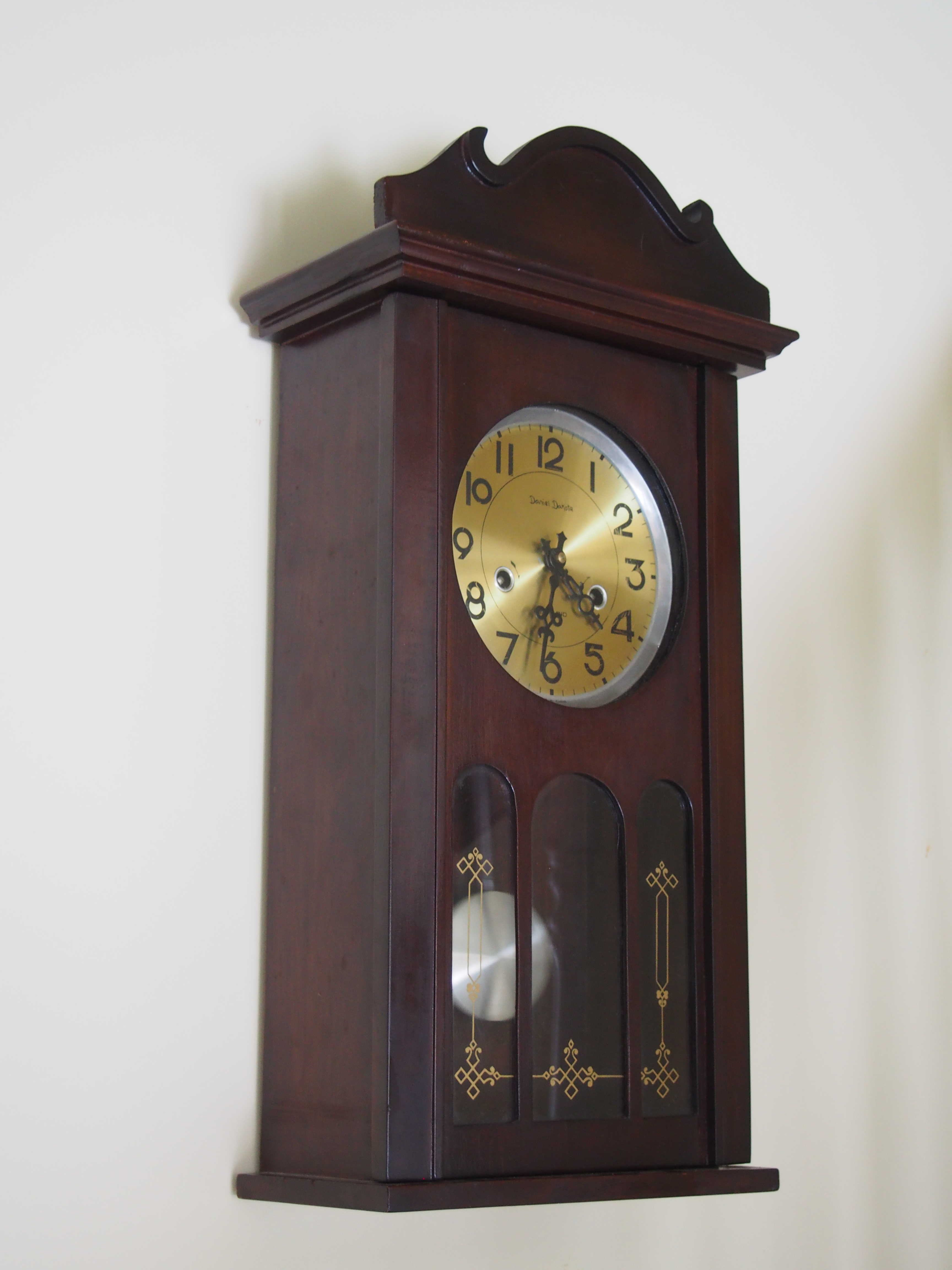 Daniel Dakota Wall Clock Antique And Vintage Clock