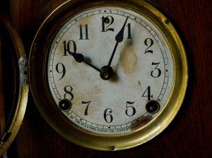 RS Sessions Mission Oak mantel clock (3)