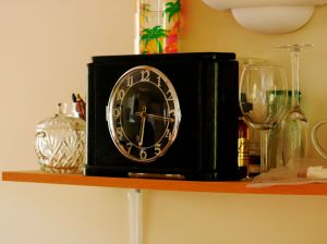 Blackforest shelf clock