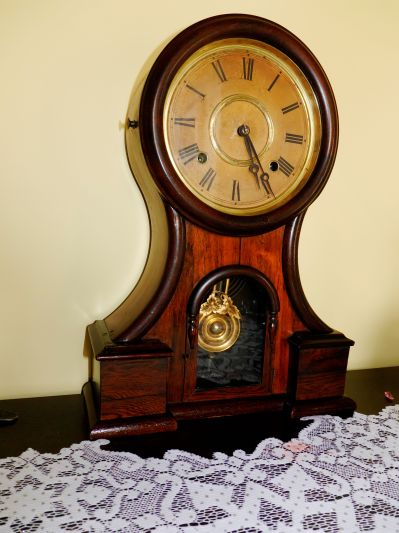 Ingraham Huron shelf clock