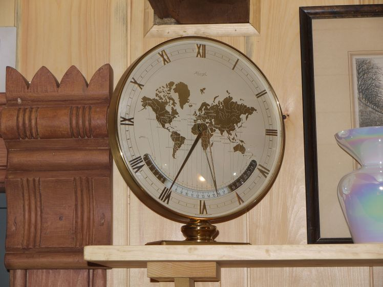 Kienzle World Clock