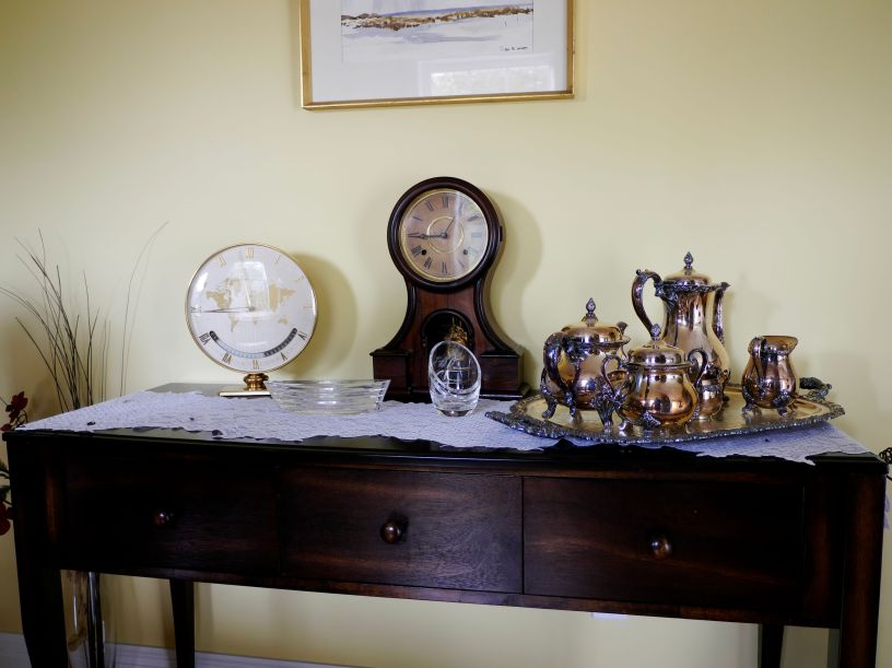 Kienzle clock on display with Ingraham Huron