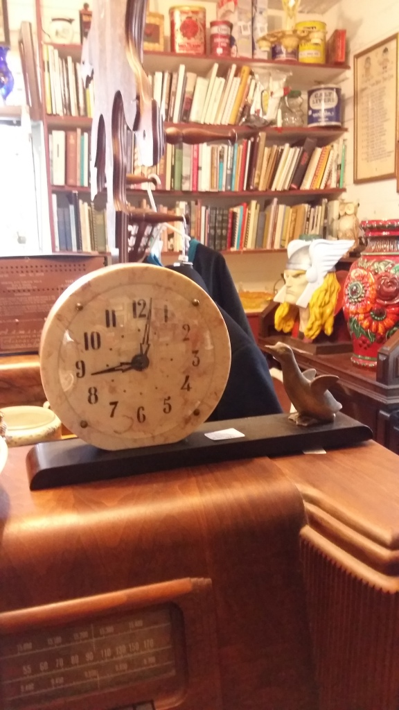 "Unknown ""marble"" desk clock"