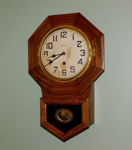 Waterbury Arion time-only wall clock