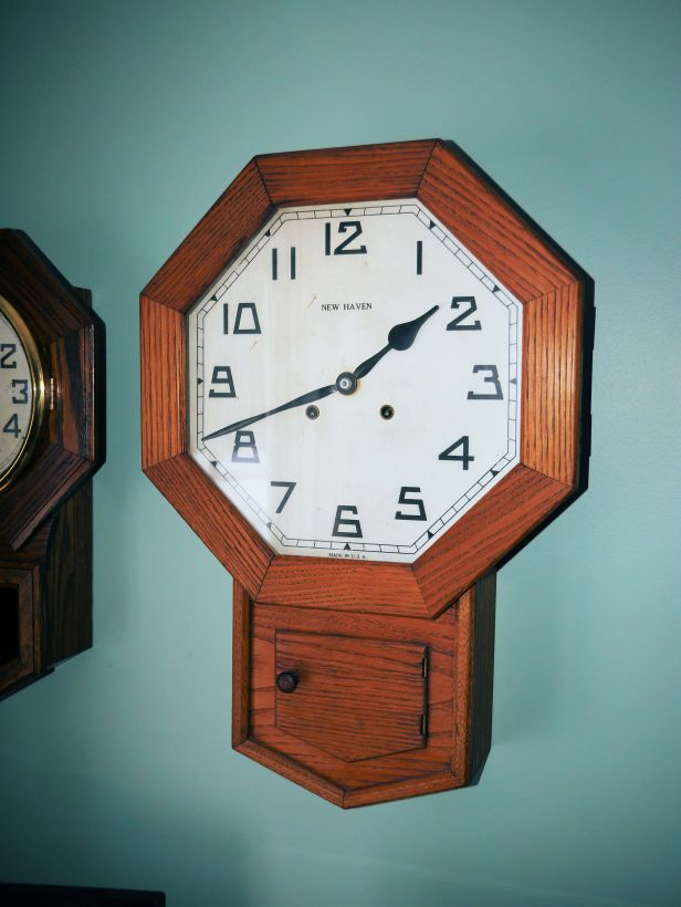 New Haven schoolhouse clock