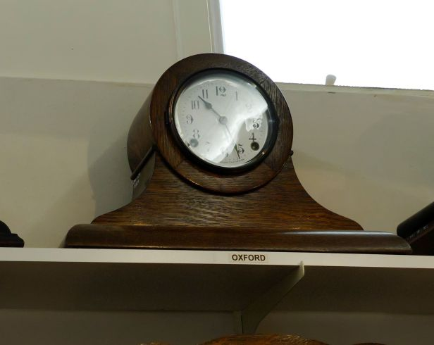 Pequegnat Oxford mantel clock