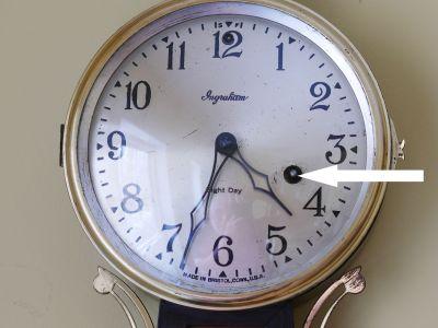 Winding arbor on an Ingraham Nordic banjo clock
