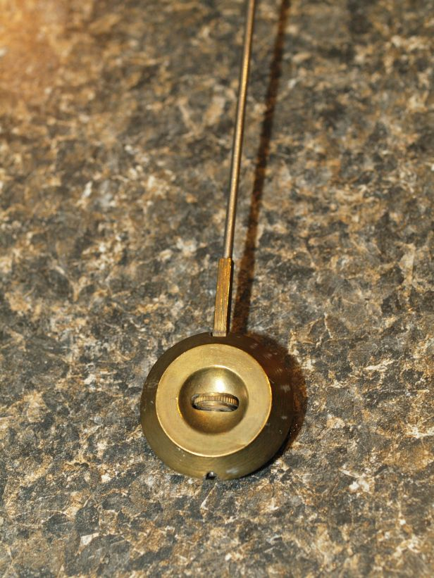 pendulum bob with adjuster