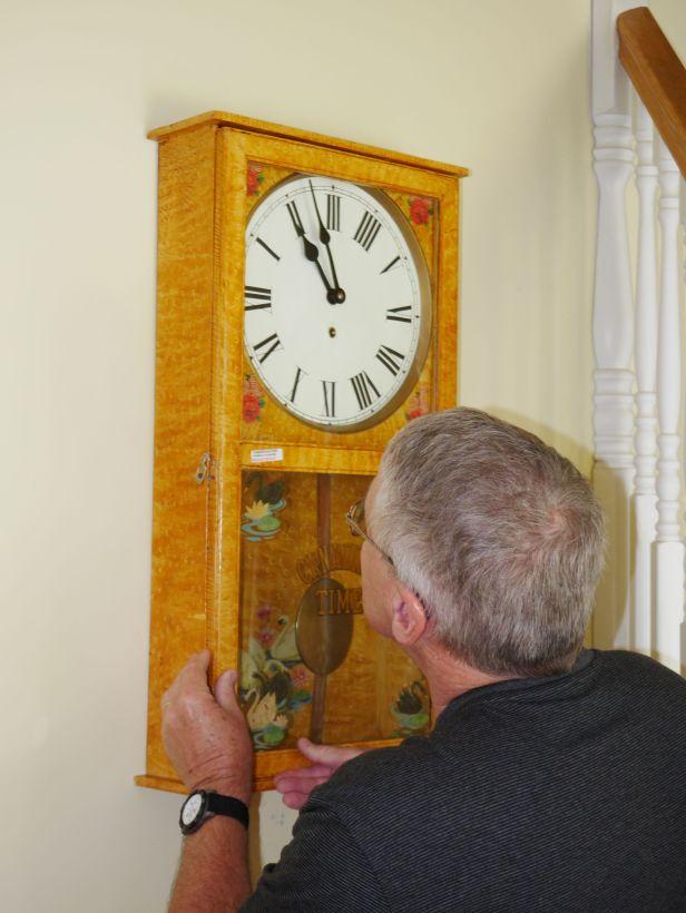 Attaching the pendulum
