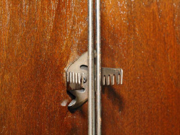 Rod twist lock