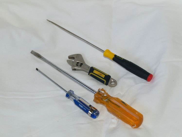 Screwdrivers and box wrench