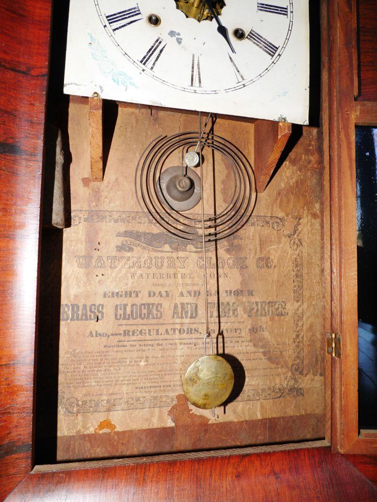 Ogee clock label