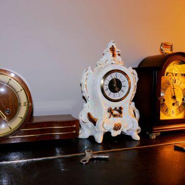 Porcelain Mercedes clock