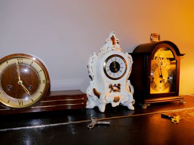 Porcelain Mercedes clock