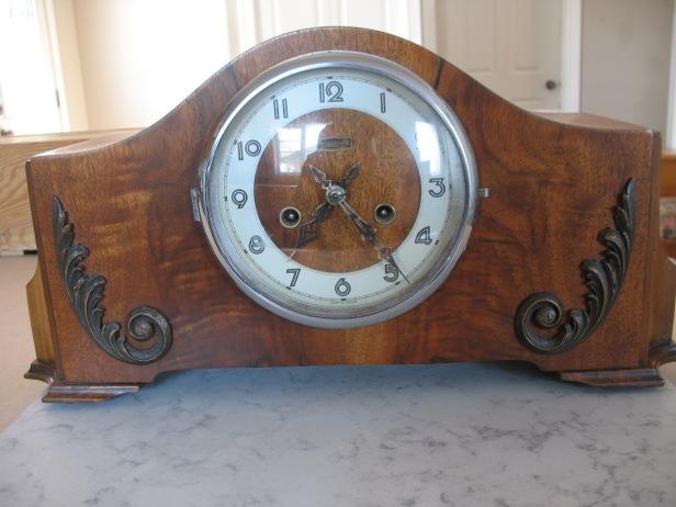 GGs Forestville Mantel clock