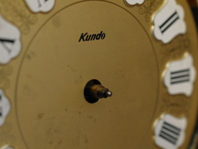 Dial face of a 400 day clock