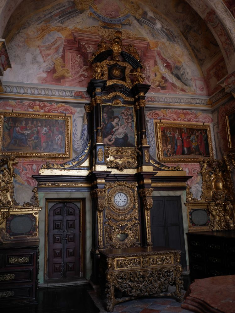 The most ornate clcok is this working example at the Porto basilica