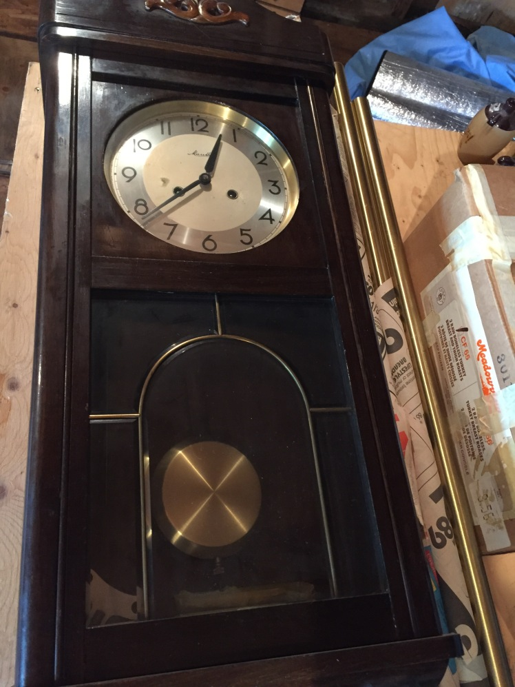 Mauthe time and strike box clock