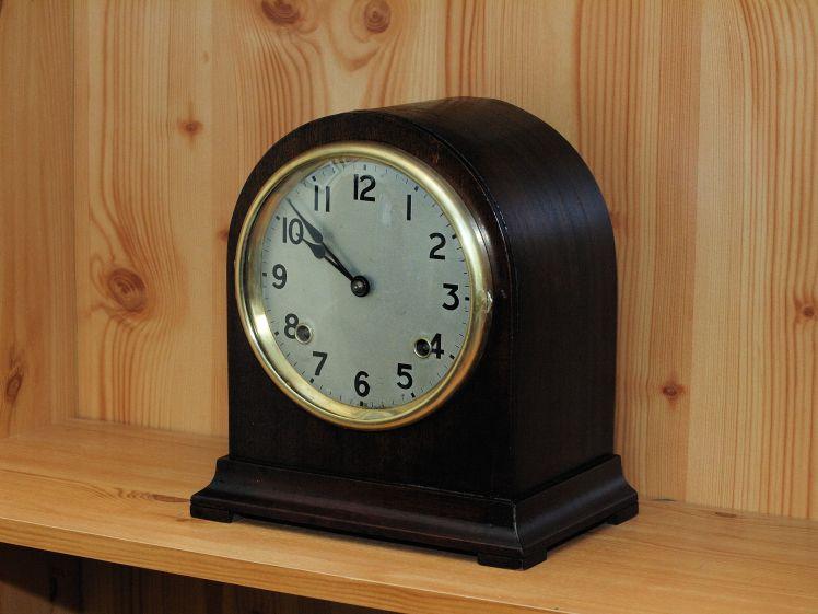 Restored Athur Pequegnat Bedford mantel clock