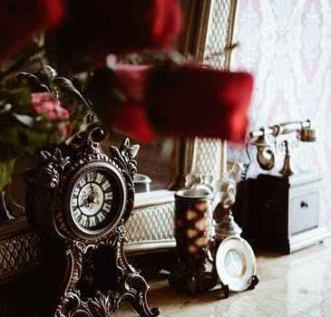 Mantel clock Christmas