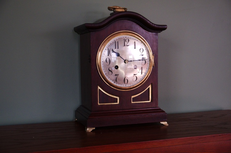Junghans 14-day time and strike mantel clock